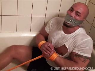 gay tatoo muscle hunk tub bondage